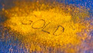Gold price falls on dollar strength