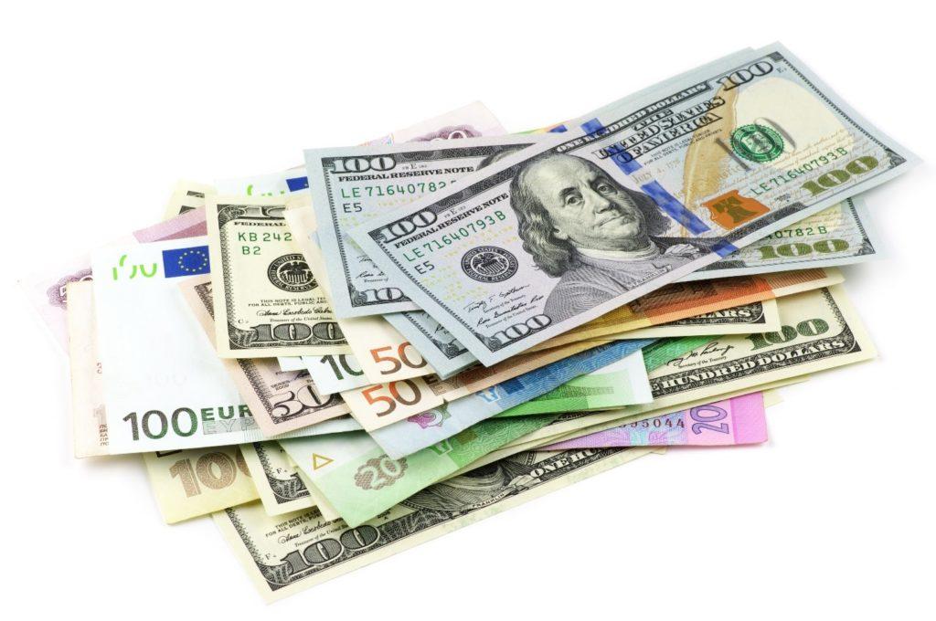 The dollar bounced back