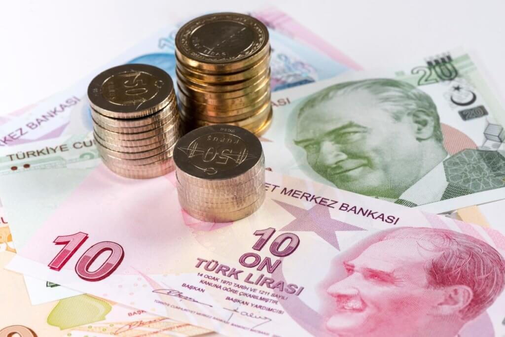 U.S. dollar rebounded Wednesday while Turkish lira slumped