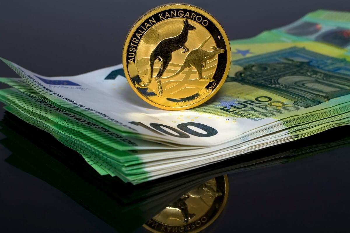 Australian dollar struggles in the wake of USD gains